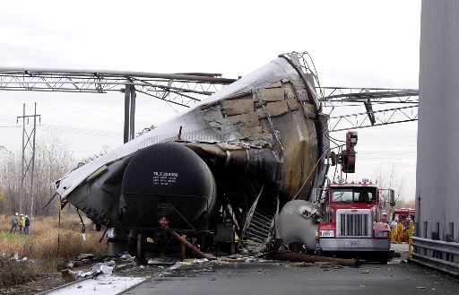 Fatal Benson MN explosion. Twisted tank wreckage after explosion